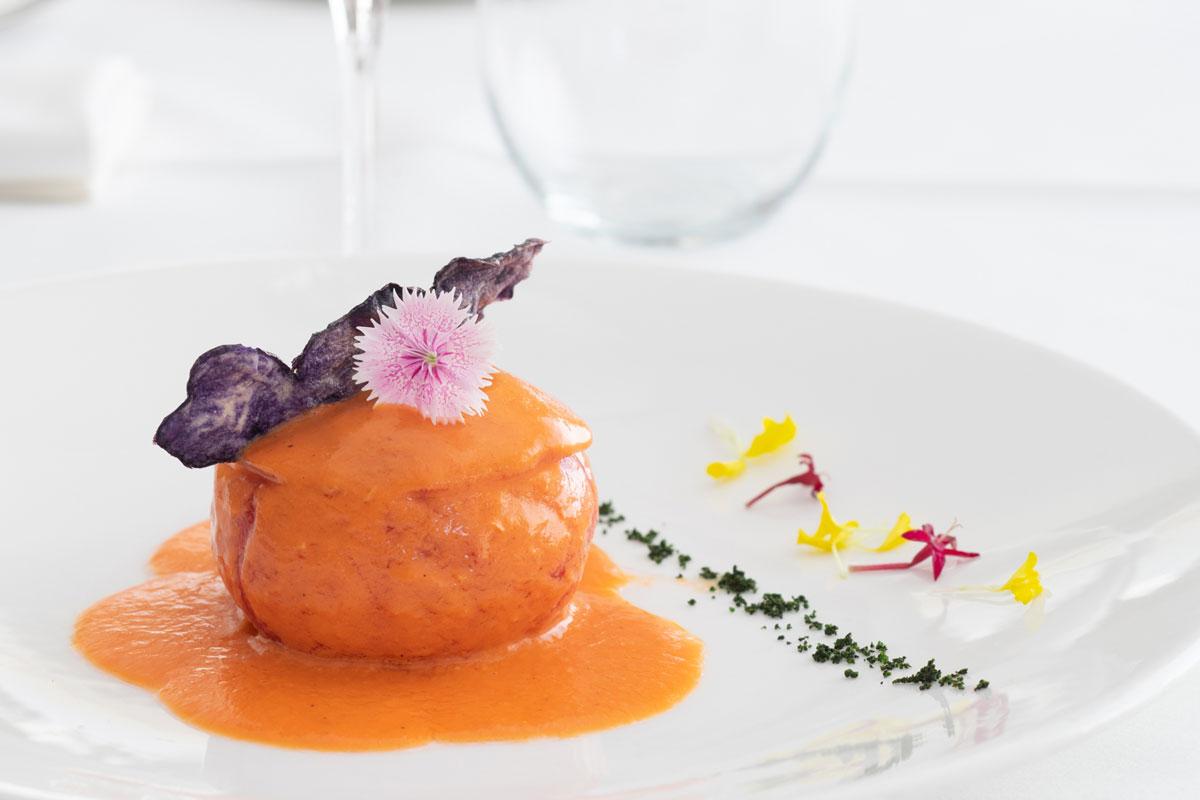 tomate-de-sabores-con-mouse-de-bonito-y-sopa-de-tomate-asado